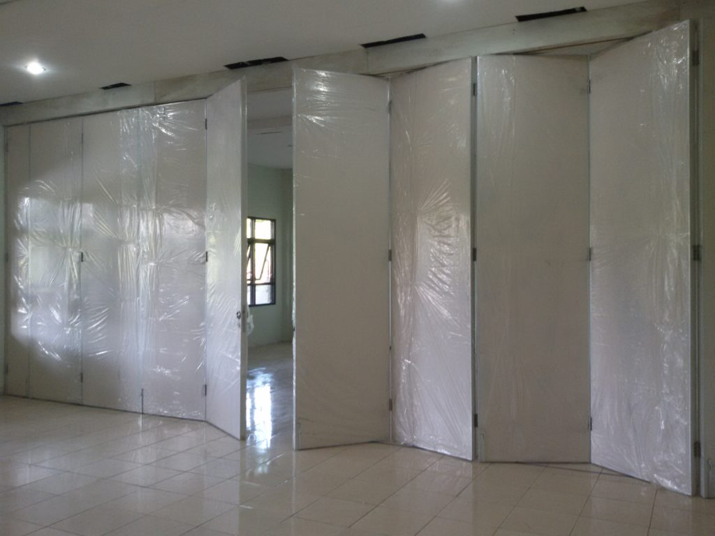 pintu partisi surabaya